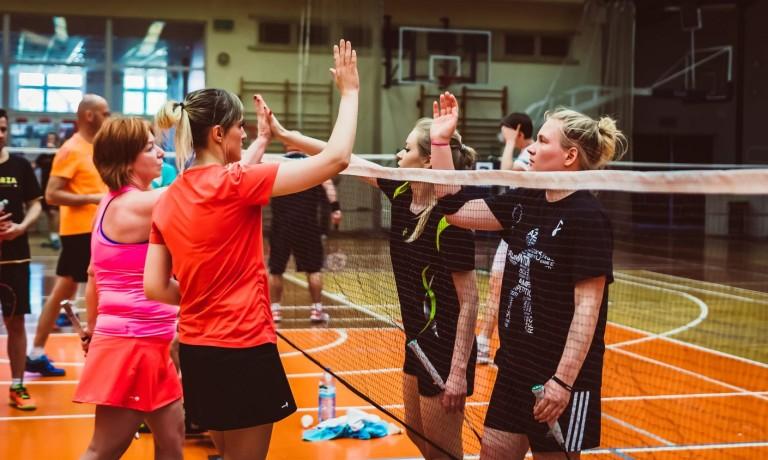 Udany podwójny turniej badmintona